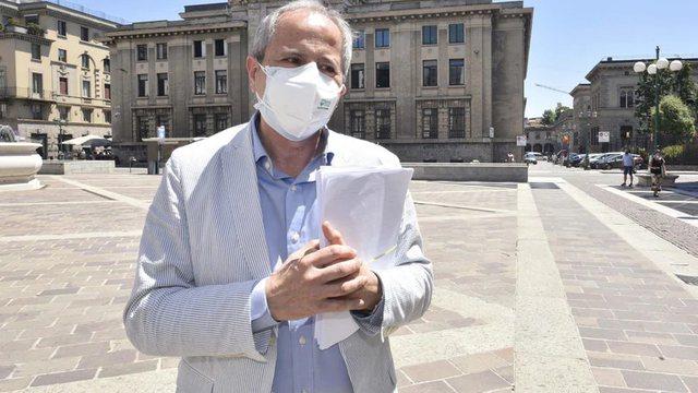 Virologu italian refuzon ta bëjë vaksinën kundër Covid-19: