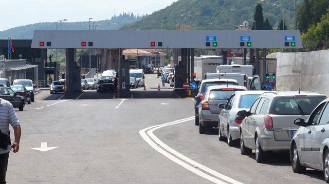 Pandemia/ Kufizohet lëvizja në kufirin me Malin e Zi!