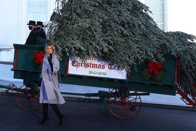 Nga Dita e Falënderimeve, te Krishtlindjet, veshjet më yll të