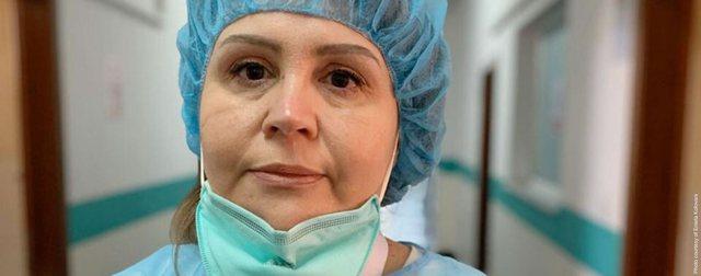 Mjekja nuk i mban lotët kur flet për pacientët e intubuar: Duket