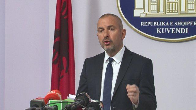 PD akuzoi se qytetari nuk ka përfituar nga rindërtimi/ Bushati e