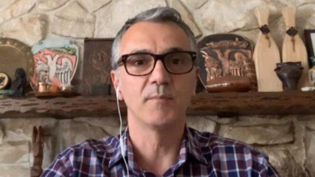Flet mjeku shqiptar në SHBA: Covid nuk ka mjekim, fatin e pacientit e