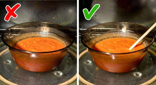 Ushqimet që nuk duhet t'i ringrohni në mikrovalë!