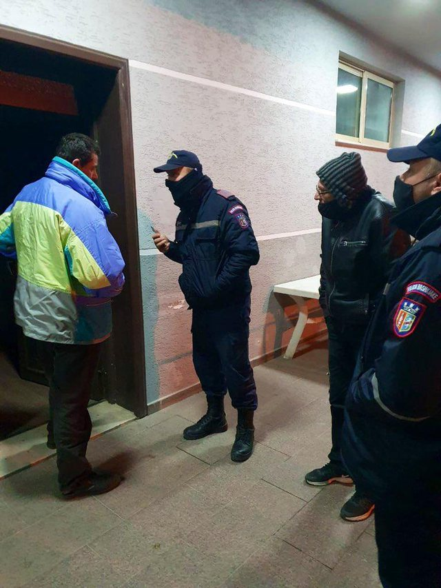 Punonjësit e Bashkisë Tiranë u ofrojnë një strehë