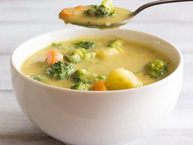 Supa me pulë dhe brokoli, më e shëndetshmja në