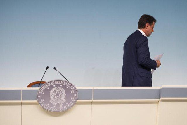 Dorëhiqet kryeministri i Italisë, Giuseppe Conte
