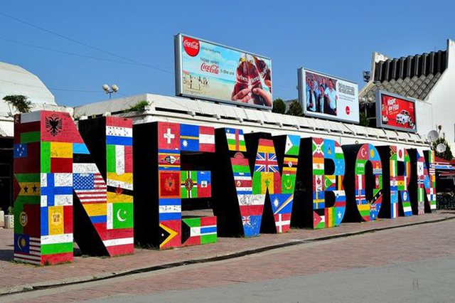 Kjo është pamja e re e Newborn në Prishtinë!