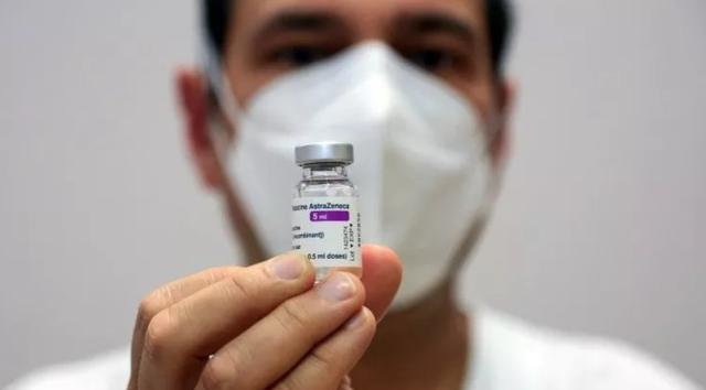 Vaksína AstraZeneca/ Pse është mirë të presësh 3