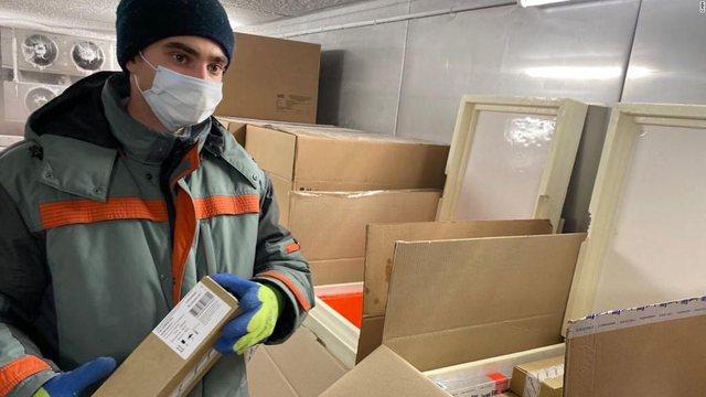 Rusia nxjerr imazhet nga fabrika e vaksinave kundër Covid-19 për