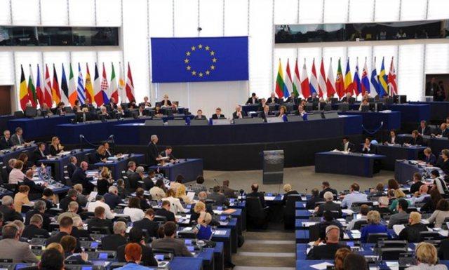 Parlamentit Evropian thirrje 5 shteteve të BE të njohin Kosovën: