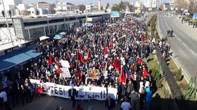 Shqiptarët e Shkupit, të  gjithë në protestë, për