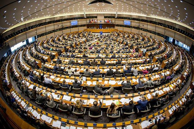 Komisioni i Jashtëm i PE miraton rezolutën për