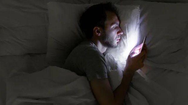 What is coronasomnia, the phenomenon that has killed our sleep!