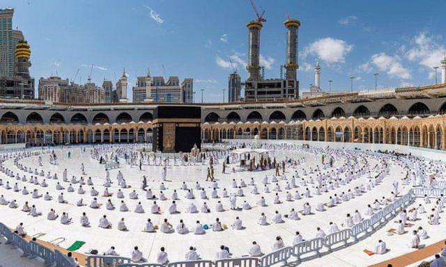 Meka do të pranojë vetëm pelegrinë të imunizuar