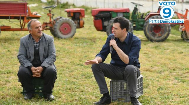Basha me fermerët në Baldushk: Erdha t'ju them që 25 prilli