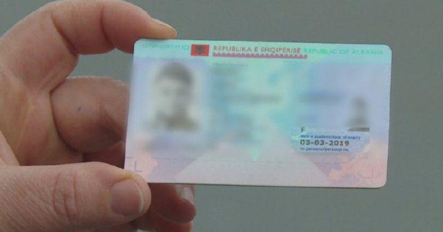 Gazetari rrëfen detajet: ID dhe numrat e telefonit i ka patur PD që