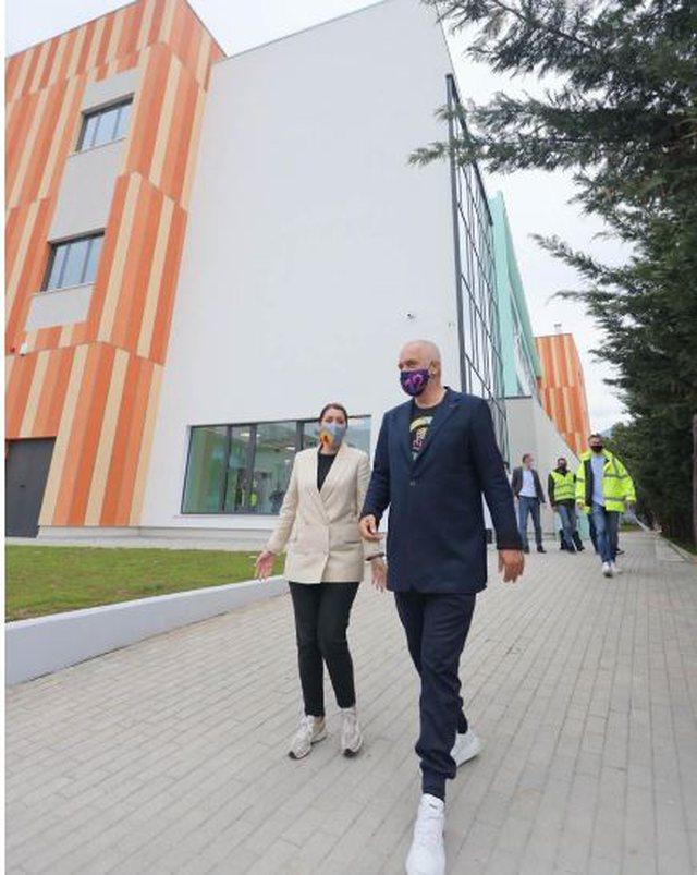 Pediatria e re e Tiranës, Rama: Uau!