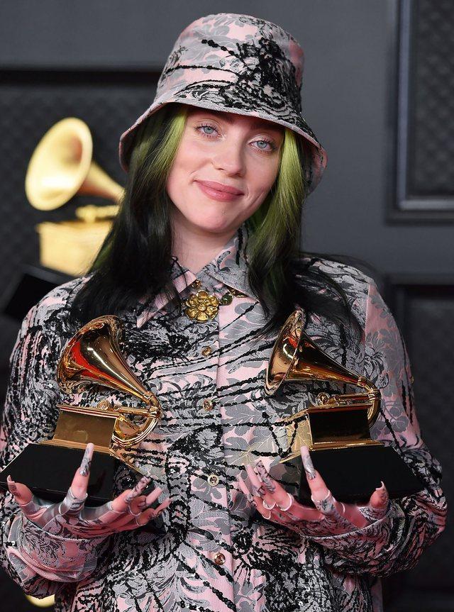Këngëtarja e njohur flet për sulmet seksuale: Nuk njoh asnjë