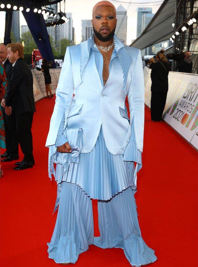 Brit Awards 2021/ Veshjet më të bukura nga tapeti i kuq!