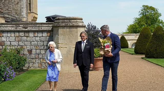 Sot Princi Philip do të festonte 100-vjetorin. Mbretëresha Elisabeth e