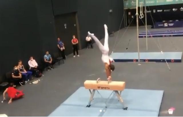 Gjimnasti kuqezi Matvei Petrov zë vendin e parë në fazën