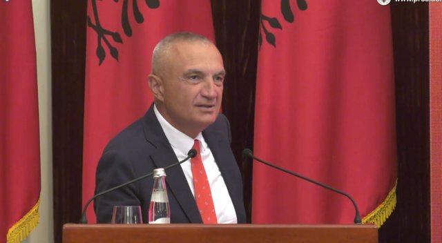 Meta shfaqet pas shkarkimit: Parlamenti monist po heq vëmendjen nga krimet