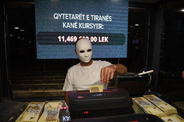 Shqiptarët shpëtuan 19,440,800 lekë nga shkatërrimi