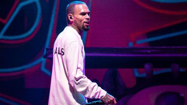 Chris Brown akuzohet se dhunoi një grua në Los Anxhelos
