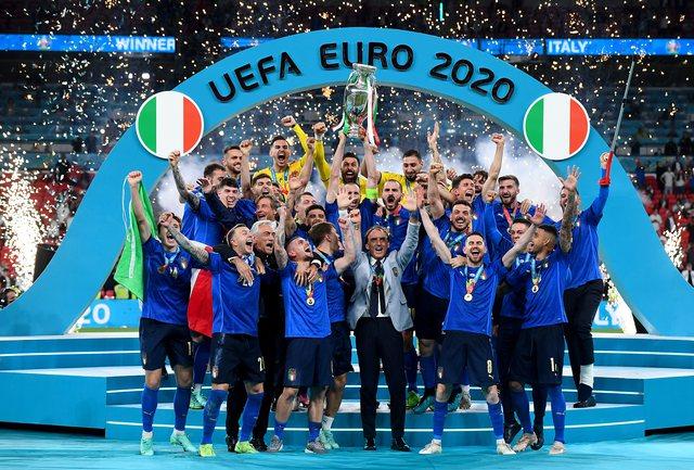 Roberto Mancini, njeriu që i dha Italisë kupën e Evropës!