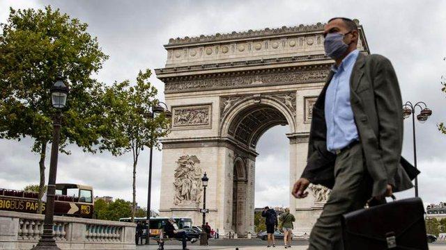 Franca vendos pasaportën Covid për hyrjen në vende publike