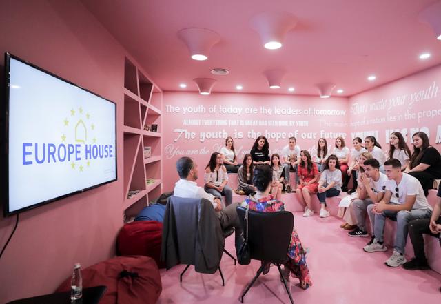 Ambasadori Soreca takon të rinjtë: BE do të jetë