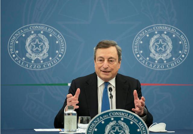 Kryeministri italian Draghi përballë rrezikut Delta: Vaksinohuni