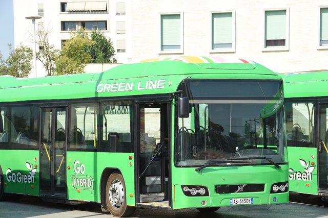 Veliaj prezanton flotën e parë të autobusëve të