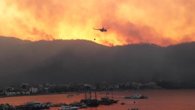 Video/ Pamjet nga zjarret apokaliptike që përfshinë Turqinë,