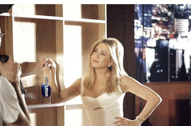 Jennifer Aniston tregon çfarë ha kur është e stresuar