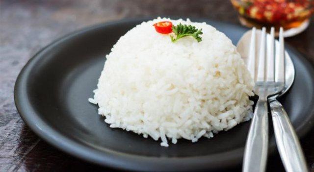 Ushqimet që ju ndihmojnë të flini rehat!