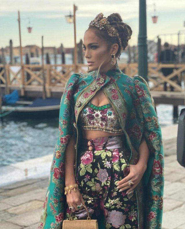 Foto/ Jennifer Lopez mahnit të gjithë me paraqitjen e saj në