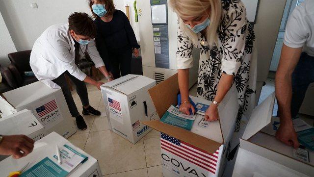 SHBA i dhuron Kosovës mbi gjysmë milioni doza të vaksinës