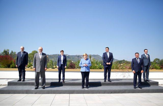 Ish-ministri i Jashtëm i Kosovës, Hoxhaj: Rama, i zgjedhuri i Merkel,