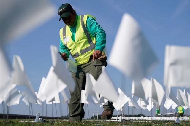 Mbi 600 mijë flamuj të bardhë, për jetët e humbura nga