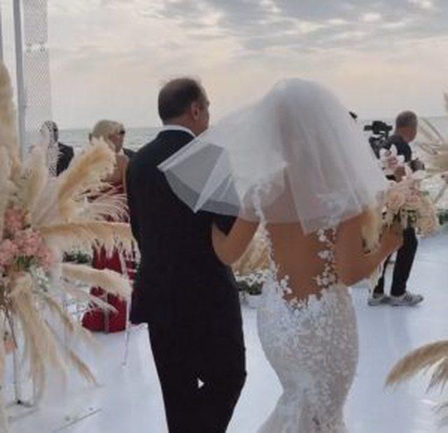 Vajza e Edmond Haxhinastos martohet me djalin e Nasip Naços!