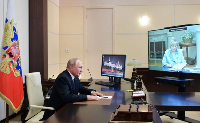 Partia pro-Putinit fiton shumicën në zgjedhje. Rivalët: