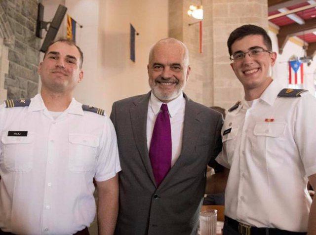 Dy djem shqiptarë në Akademinë Amerikane, Rama: Do të