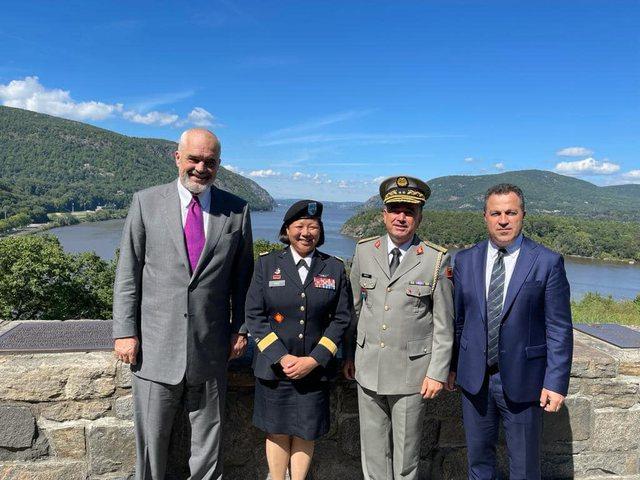Rama publikon pamje nga vizita në Akademinë Ushtarake West Point!
