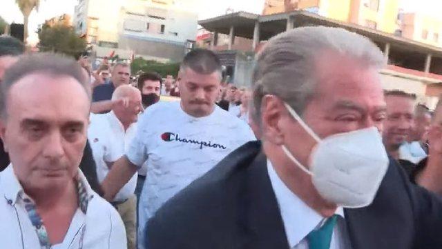 Takimi i Berishës me demokratët në Fier, një tjetër