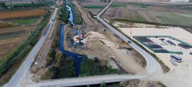 Rama poston pamjet nga kantieri për ndërtimin e Urës
