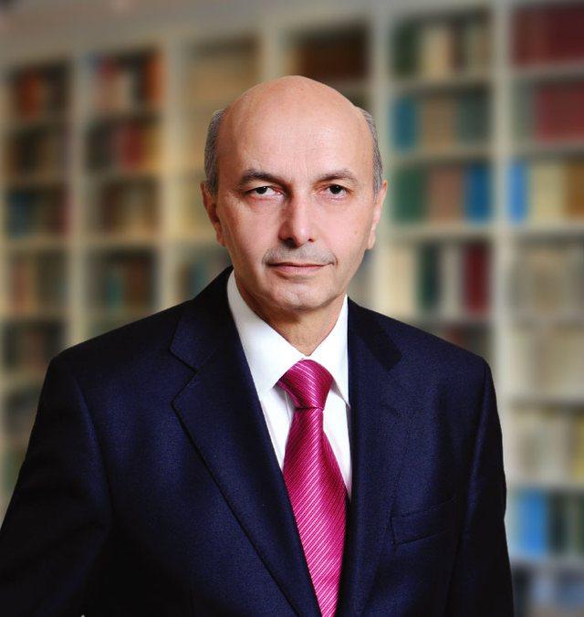 Mediat në Kosovë: Jep dorëheqjen Isa Mustafa
