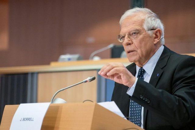 Tensionet në Kosovë/Borrell:  Të ndalen menjëherë