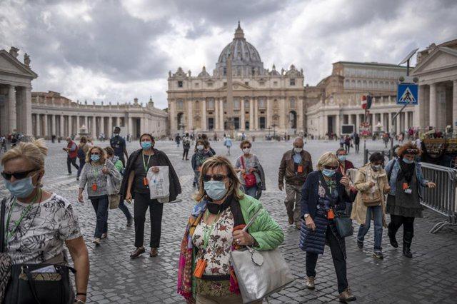 Italia drejt hapjes. Vendosja e maskës në shtator për
