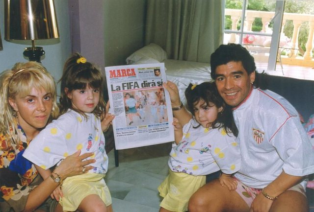 Maradona përjashtoi nga testamenti vajzat dhe ish-gruan, ja pse!